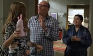 ModernFamily6screen